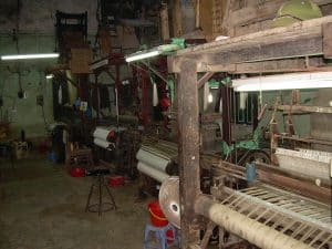 mixed feelings about Hanoi: visit to weaving factory without any explanation