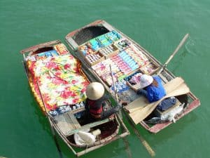 floating market Ha Long Bay