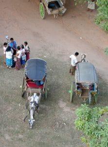horse carts in Ava