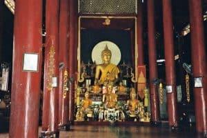 wandering the city: vist to Wat Phra Sing