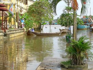 places of interest in Hoi An: a flooded Thu Bon river