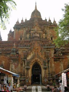 souvenir sellers at Sulamani temple Bagan