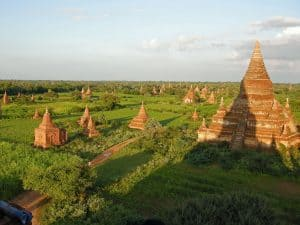 temple overview in Old Bagan