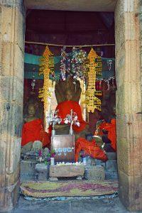 Buddha statues inside Wat Banan