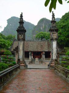countryside of Ninh Binh: temple entrance at Hoa Lu