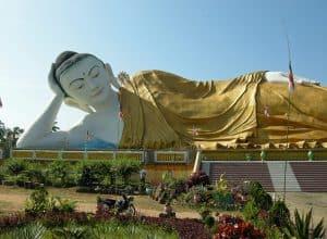 Mya Tha Lyang Reclining Buddha