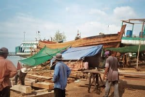 building wooden ships