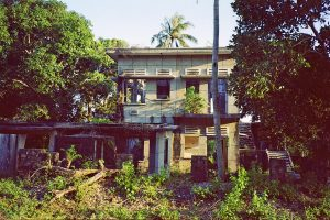 a deserted villa in Kep