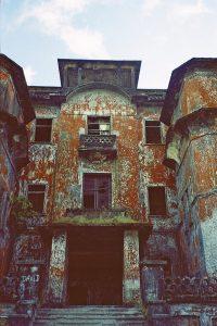 entrance of Bokor palace
