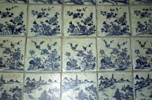 white and blue tiles at Fort Kochi synagogue